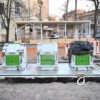 Фотофакт: на одесской Соборной площади устанавливают подземные контейнеры для мусора