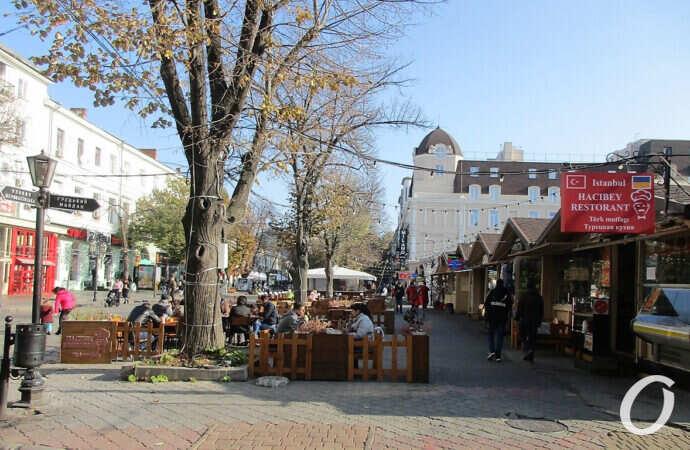 Одесская ярмарка на Дерибасовской может лишиться части лотков (фото)