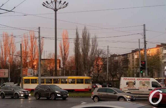 Одесса вечерняя: площадь Толбухина в лучах заходящего солнца (фоторепортаж)