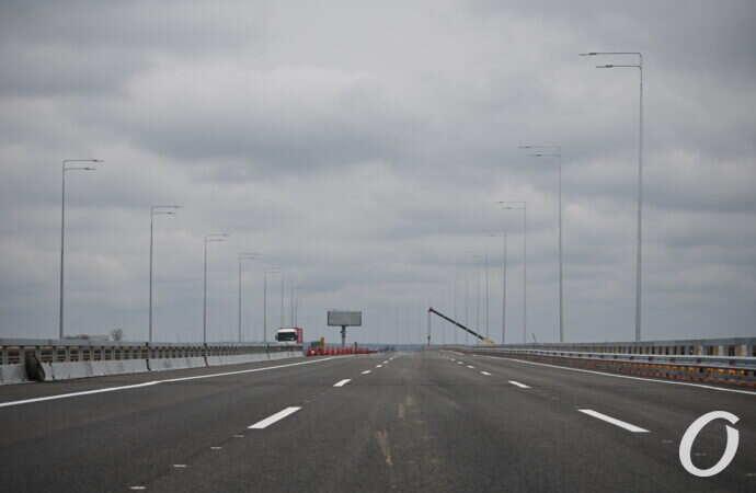 Мост через Хаджибейский лиман на трассе Киев-Одесса открыли после ремонта: как он выглядит (фото)