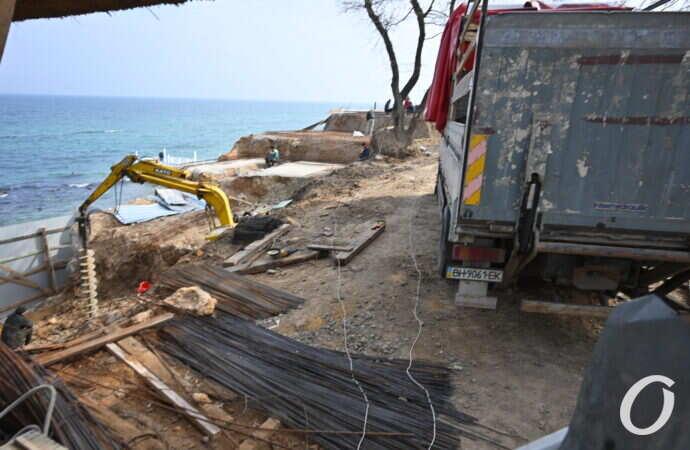 В Одессе уничтожили одно из красивейших мест на пляже в старой Аркадии — активист (видео, фото)