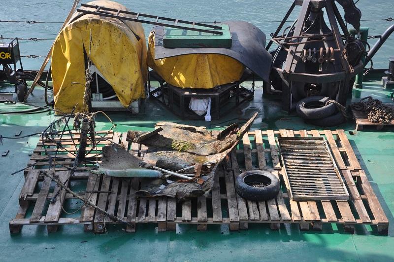 очистка морского дна от остатков танкера Делфи