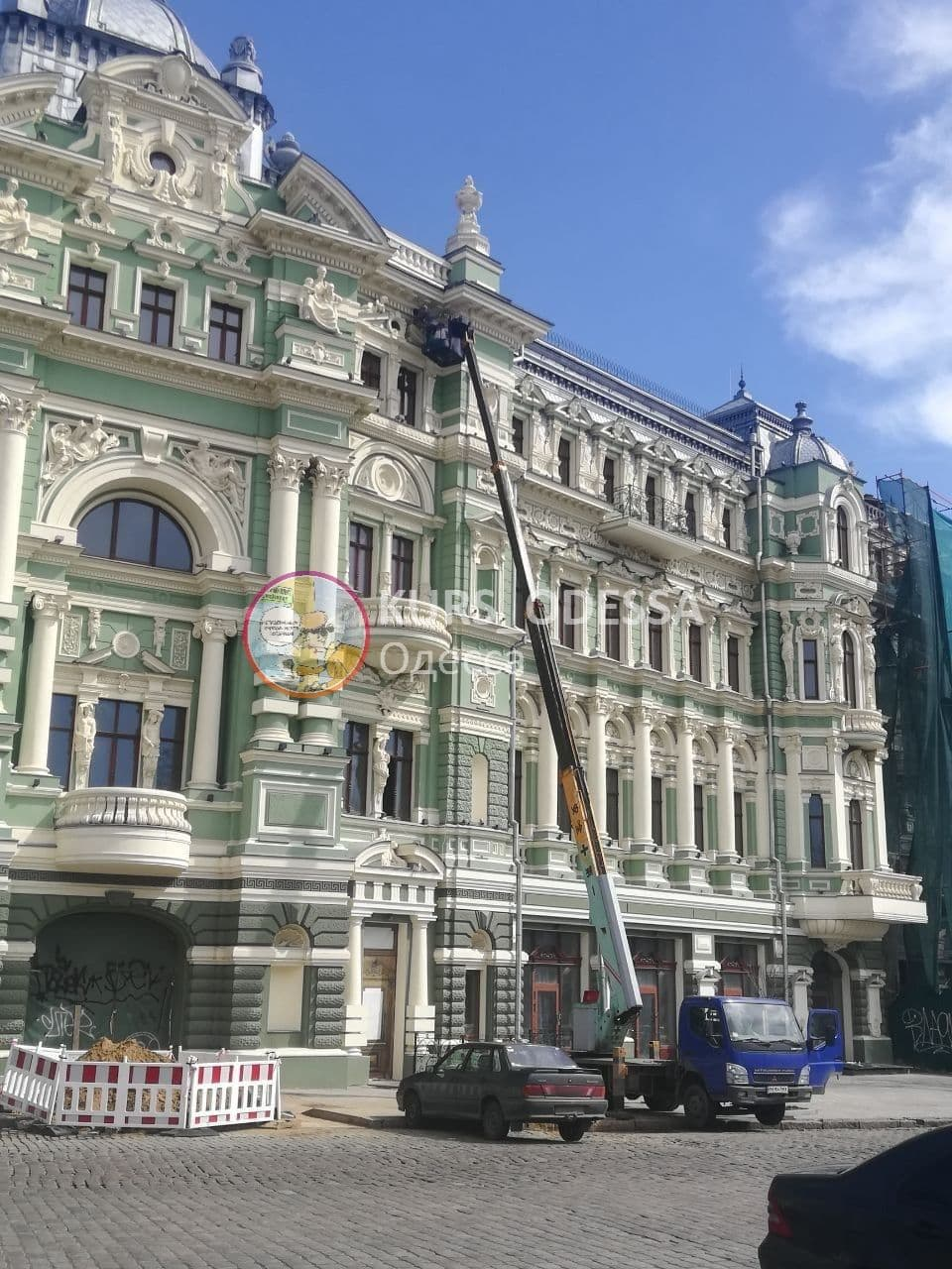 дом Руссова, ремонт скульптуры2