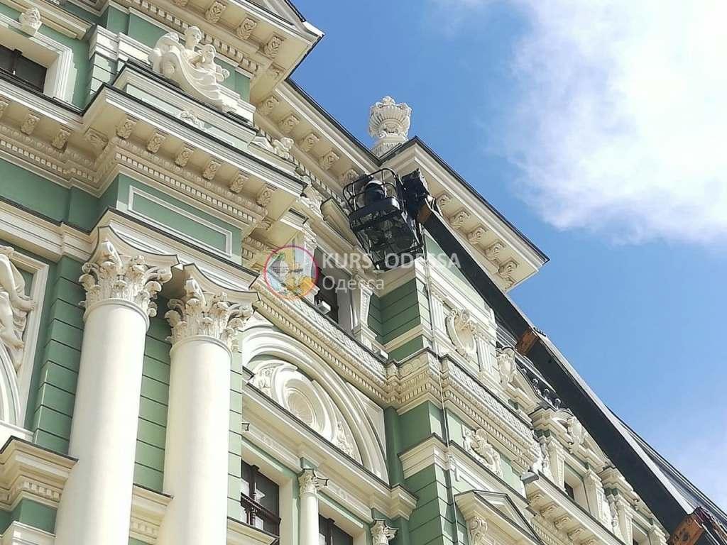 дом Руссова, ремонт скульптуры3
