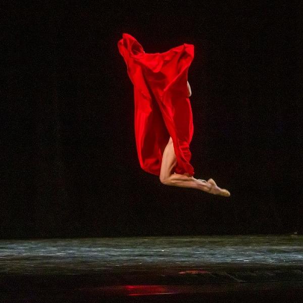 конкурс театральных фото, Красные танцы