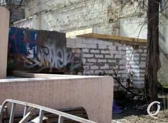Стройка в Летнем театре одесского Горсада: в ОГА предписали прекратить работы (документ)