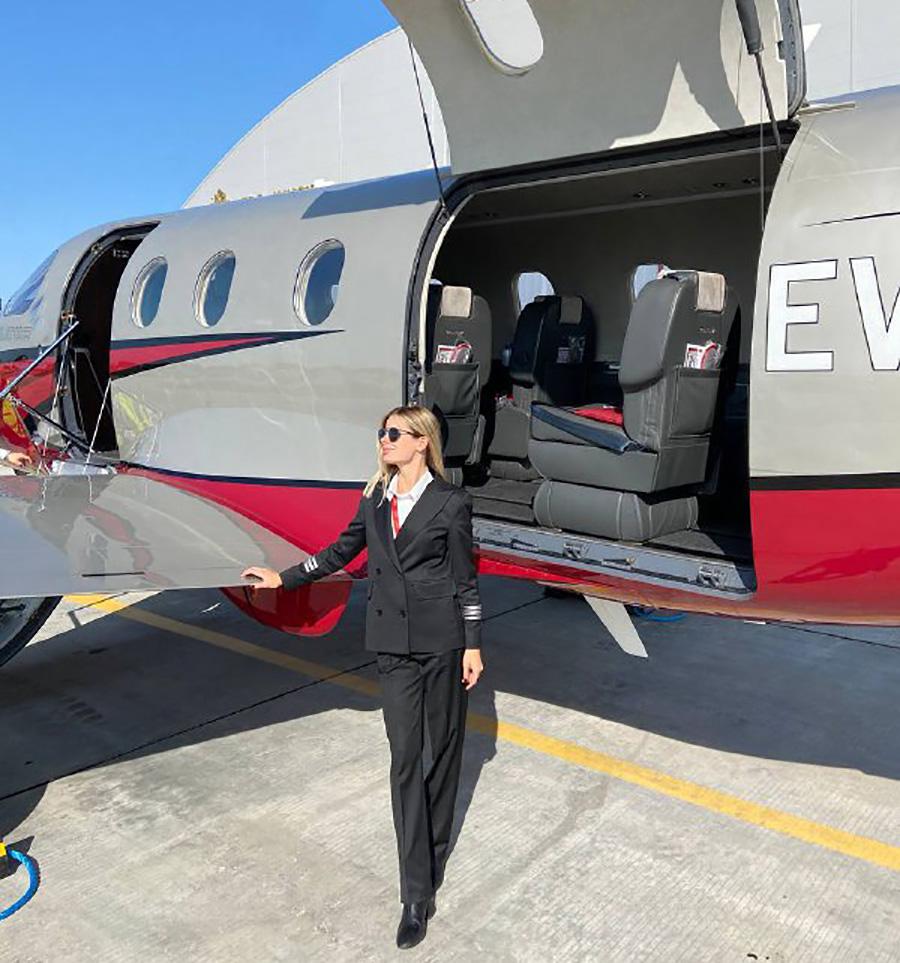 самолет девушка-пилот Лада Бирюкова