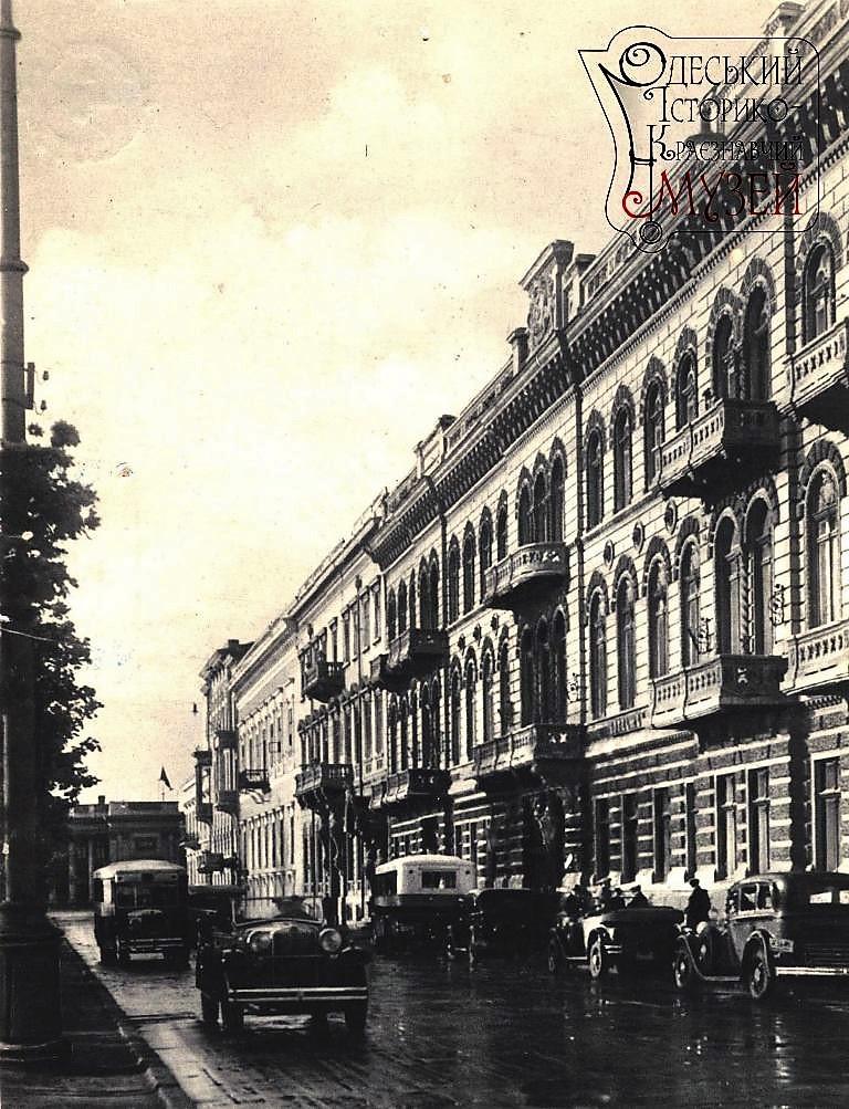 автобус в старой Одессе
