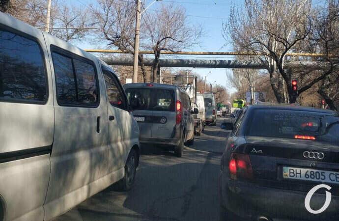 Пробки в Одессе: на поселок Котовского лучше добираться трамваем (фото)