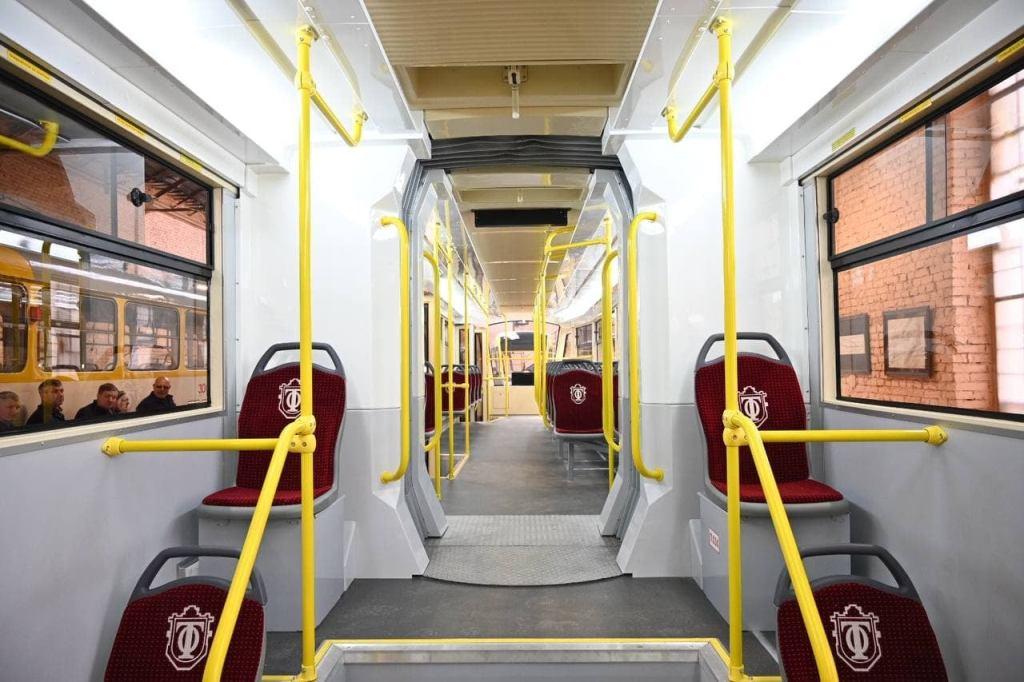 трамвай «Одиссей MAX», салон