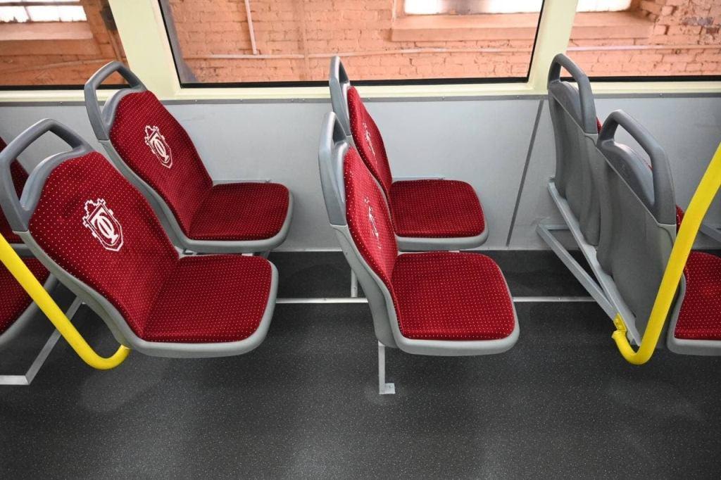 трамвай «Одиссей MAX», сидения