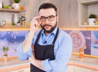 Телеведущий Руслан Сеничкин попал на обложку газеты «Одесская жизнь» и поделился фирменным рецептом борща (видео)