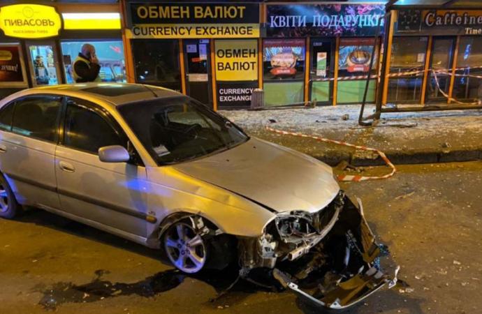 В Одессе будут судить водителя, машина которого влетела в остановку с людьми