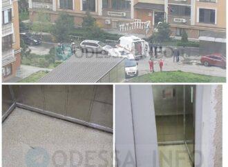 В Одессе упал лифт с людьми