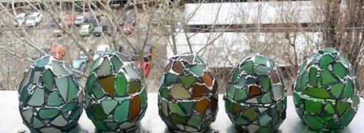 Одесская мастерица творит пасхальные чудеса из стекла (фото)
