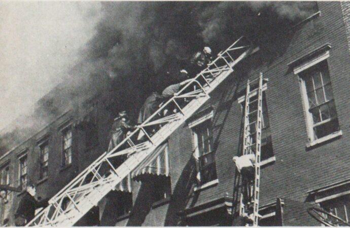 Этот день в истории: запатентована первая пожарная лестница