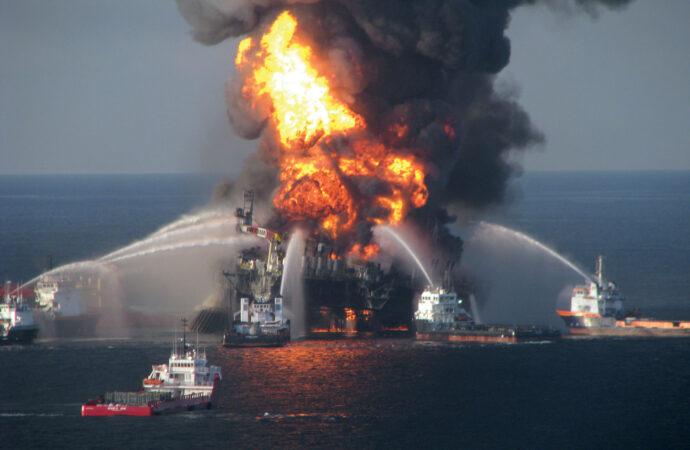 Этот день в истории: взрыв нефтяной платформы в Мексиканском заливе