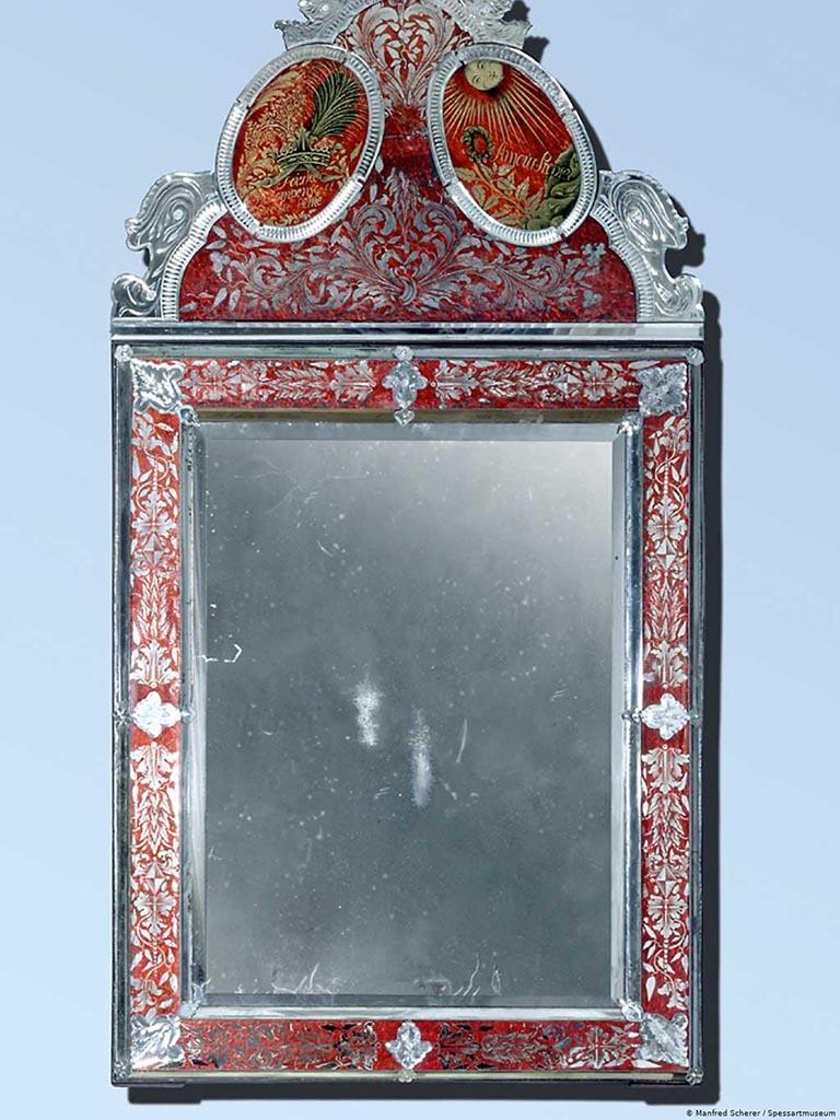 Зеркало мачехи из музея Шпессарта