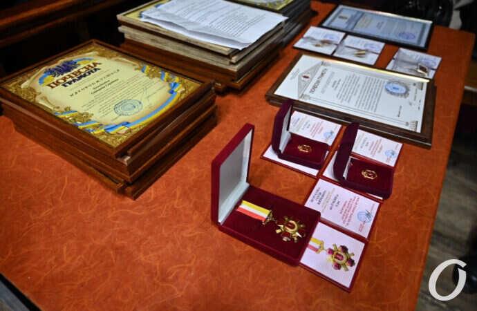 100-летний юбилей Колледжа связи: в Одесской филармонии чествовали лучших преподавателей (фоторепортаж)