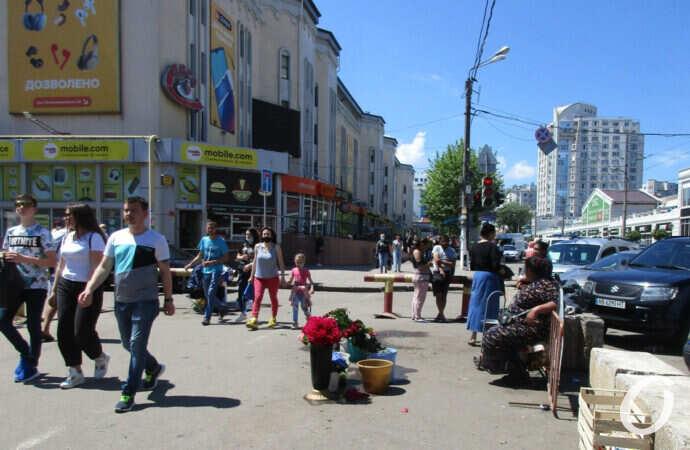 «Бурный» участок у одесского у Привоза: что с проездом и цветами на Екатерининской? (фото)