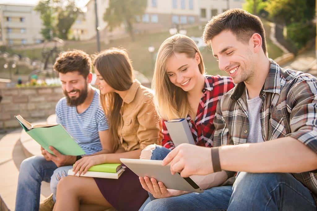 абитуриенты студенты