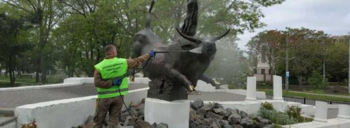 В Одессе вандалы поглумились над быком на Фонтане