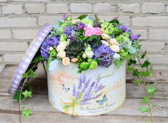Шляпные коробки во флористике