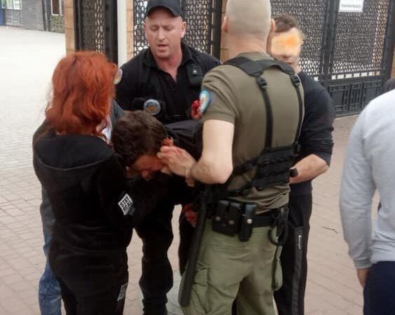 В одесском парке произошла массовая драка: один человек ранен