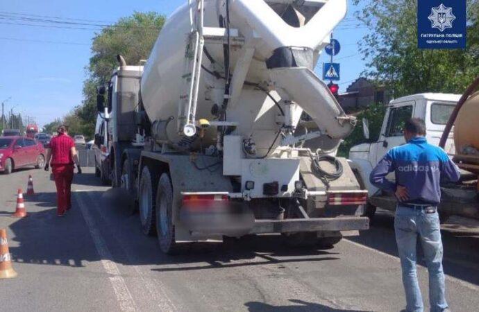 Смертельное ДТП в Одессе: на Тираспольском шоссе грузовик сбил женщину