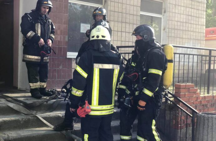 В Одессе тушили пожар в больнице №10