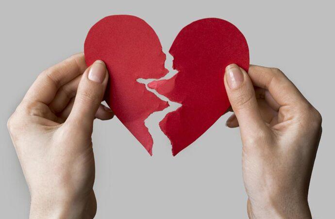 Звёздные разводы: кто объявил о расставании в 2021 году