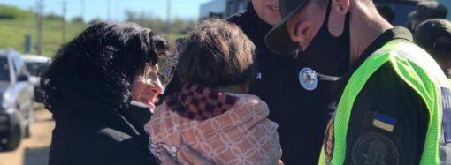 В Одесской области почти сутки искали «забытую» родителями 4-летнюю девочку