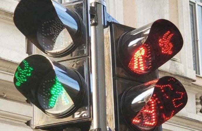 В центре Одессы установили светодиодные светофоры вместо ламповых