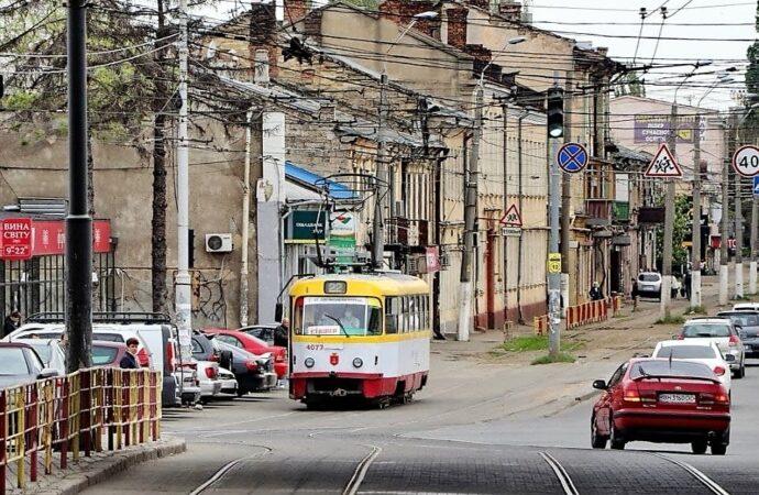 В Одессе остановились трамваи и троллейбусы на многих маршрутах (одновлено)