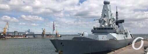 В Одесском порту пришвартовались эсминец и фрегат NATO (фото)