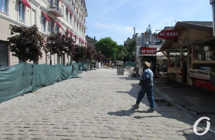 Одесский Красный переулок: старейшая брусчатка – новейшая плитка (фото)