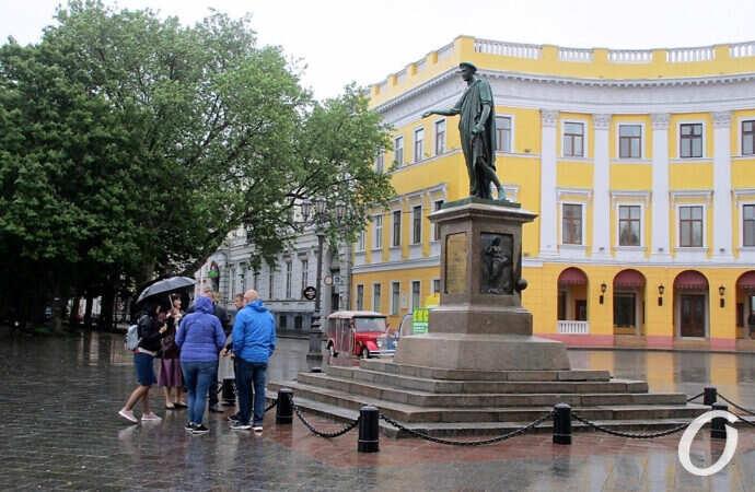 Историческим домам не повезло, а июнь забыл, что он лето: чем запомнился в Одессе первый летний день