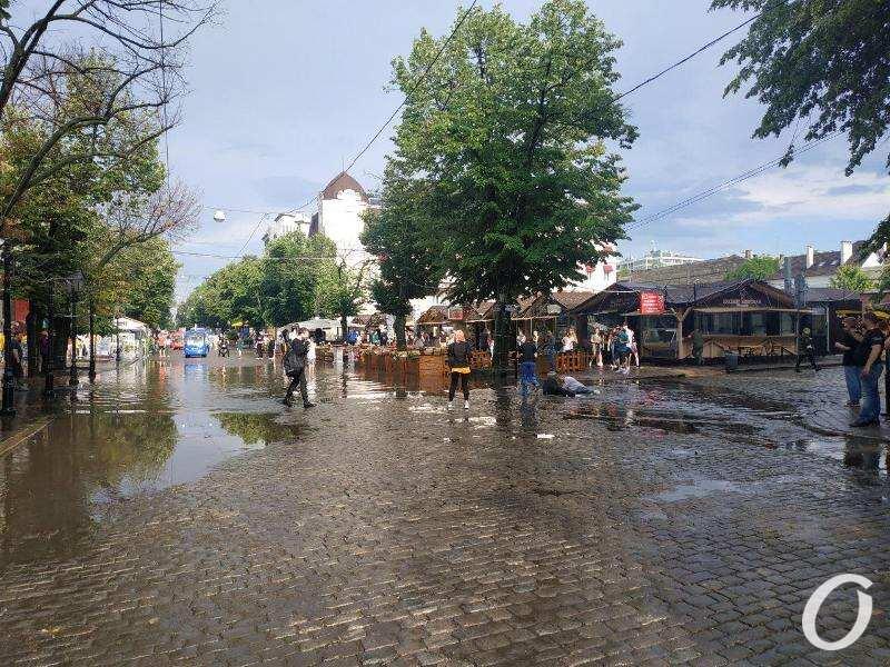 Дерибасовская после ливня