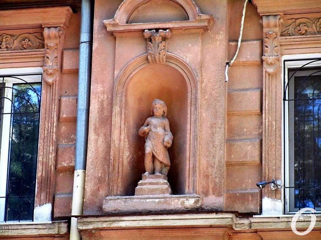скульптуры в нишах13
