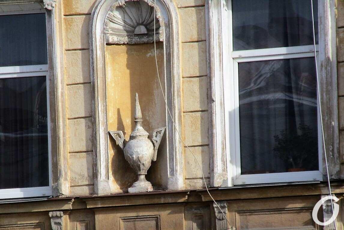 скульптуры в нишах9