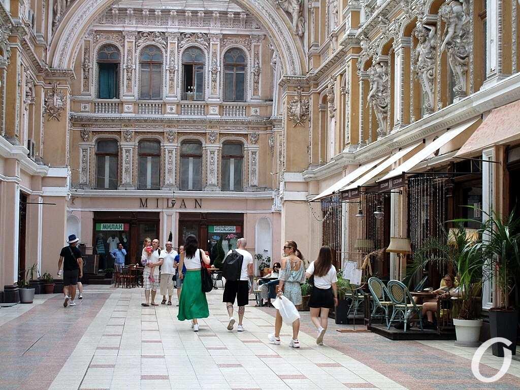 июнь в Одессе, Пассаж