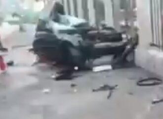 В Одессе на ул. Среднефонтанской BMW разорвало на две половины (видео)