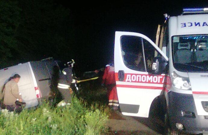 В Одесской области водителя пришлось деблокировать из разбитой Тойоты