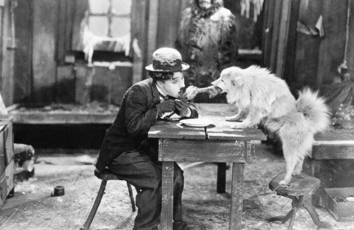 Этот день в истории: на экраны вышла «Золотая лихорадка» Чарли Чаплина