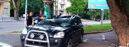 В Одессе на Французском бульваре перевернулся «Хюндай» – есть пострадавшие