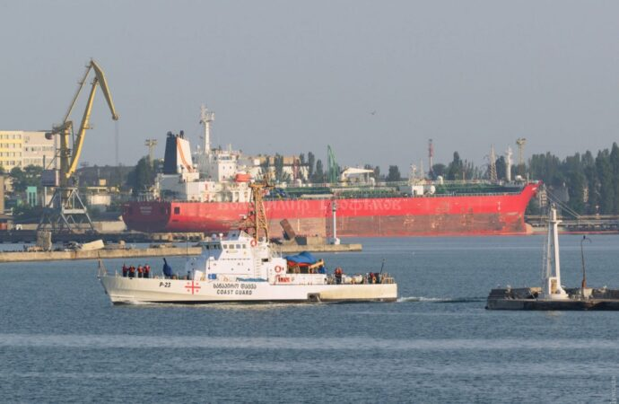 В порт Одессы зашли первые участники учений «Си Бриз»