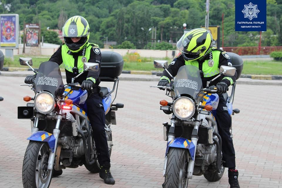 патрульные на мотоциклах
