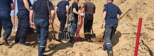 Искать людей под оползнем в Одесской области выехали кинологи с собаками (фото и видео)