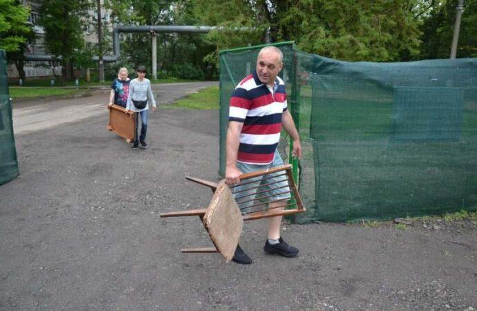 В Одессе открыли шестую площадку для сбора габаритного мусора (фото)
