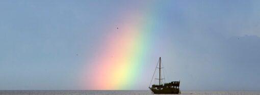 Радуга, яхты и «морской дракон» – одесситка запечатлела удивительные моменты (фото)